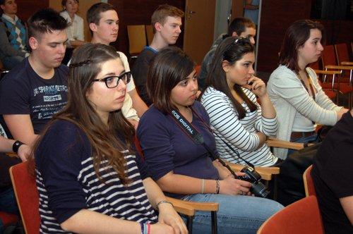 közönség, hallgatóság