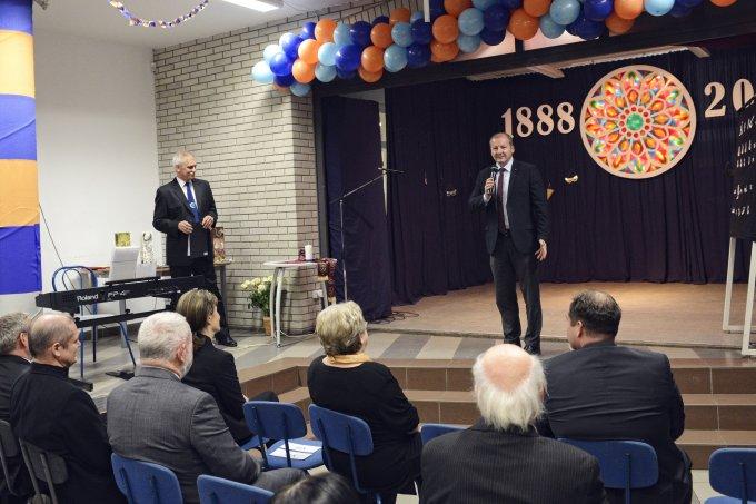 Simicskó István beszédet tart